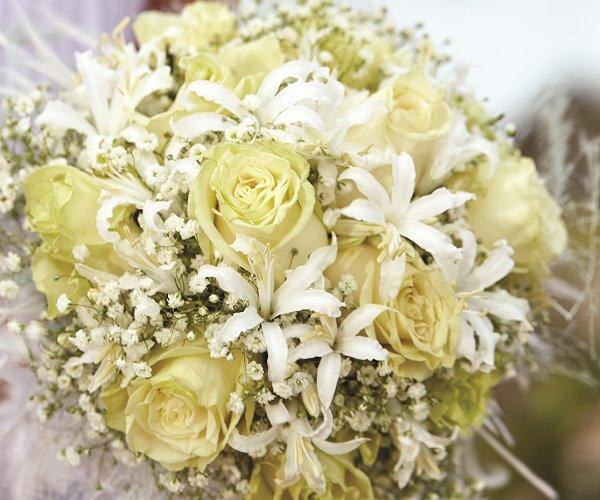 Aruba Wedding Bouquet | Caribbean Snow Queen | Aruba Destination Wedding | Beach Brides