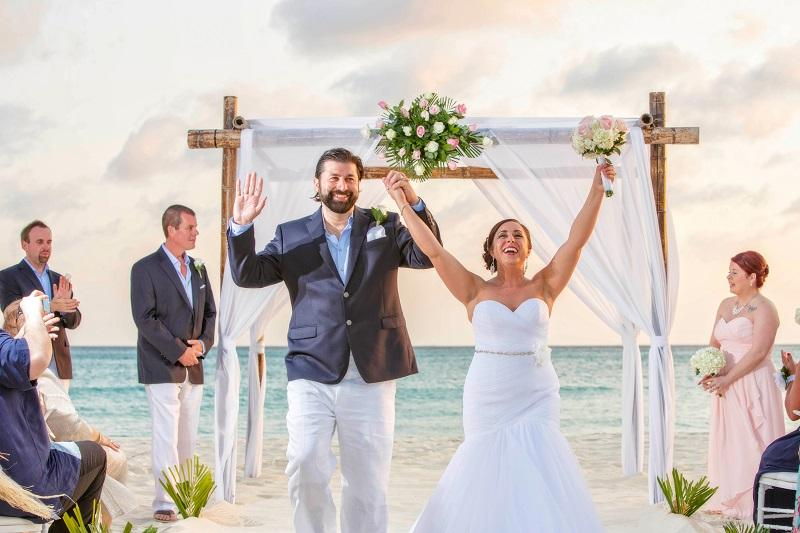 Aruba Destination Wedding | Beach Brides