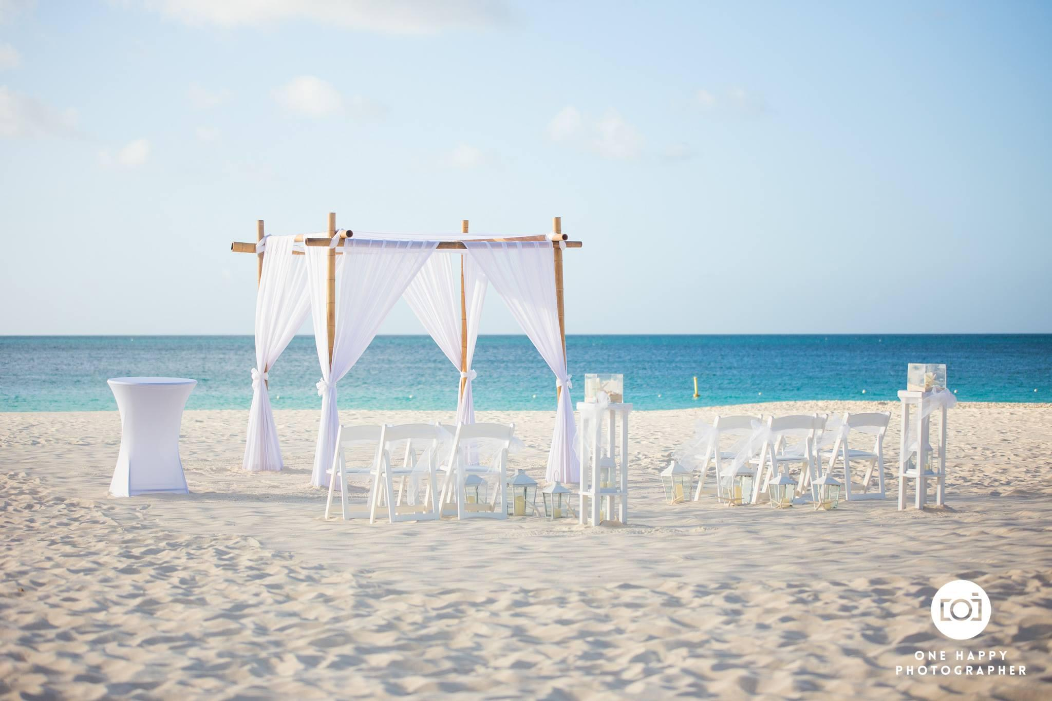 Aruba, aruba wedding, destination wedding, real wedding, wedding story, one happy island, travel, caribbean wedding, wedding planning, wedding photography