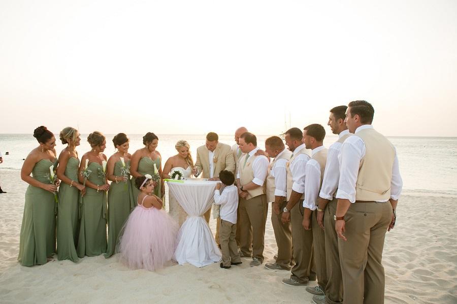 Aruba Beach Wedding | Beach Brides