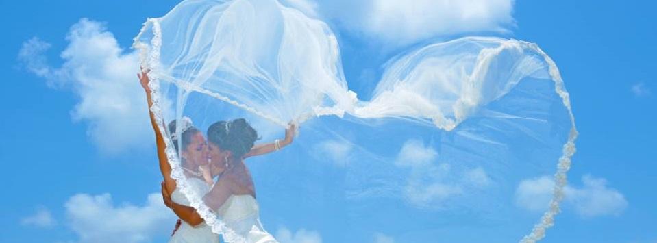 Aruba Wedding | Caribbean LGBT wedding | Beach Brides