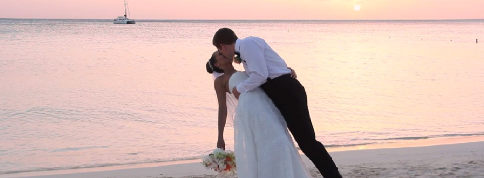 Aruba Wedding Videographer | Ingmar Maduro | Creations Aimee Aruba | Beach Brides